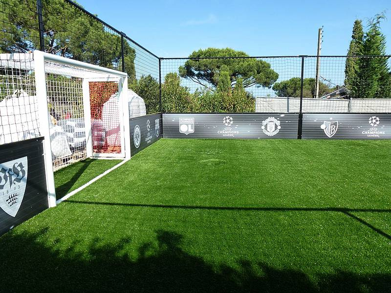 trendsport rummenigge kleinspielfeld minispielfeld in st tropez s dfrankreich. Black Bedroom Furniture Sets. Home Design Ideas